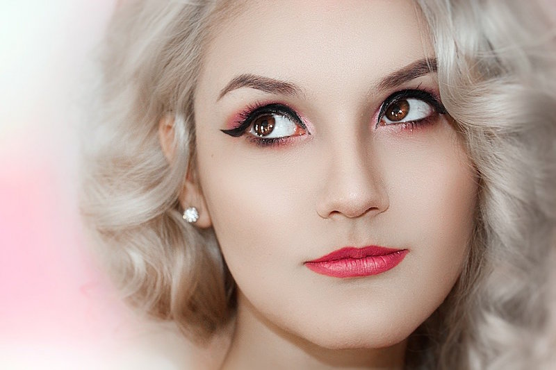 Plastic Woman – Charm, Perfect, Unreal  © Wicca-Spirituality.com